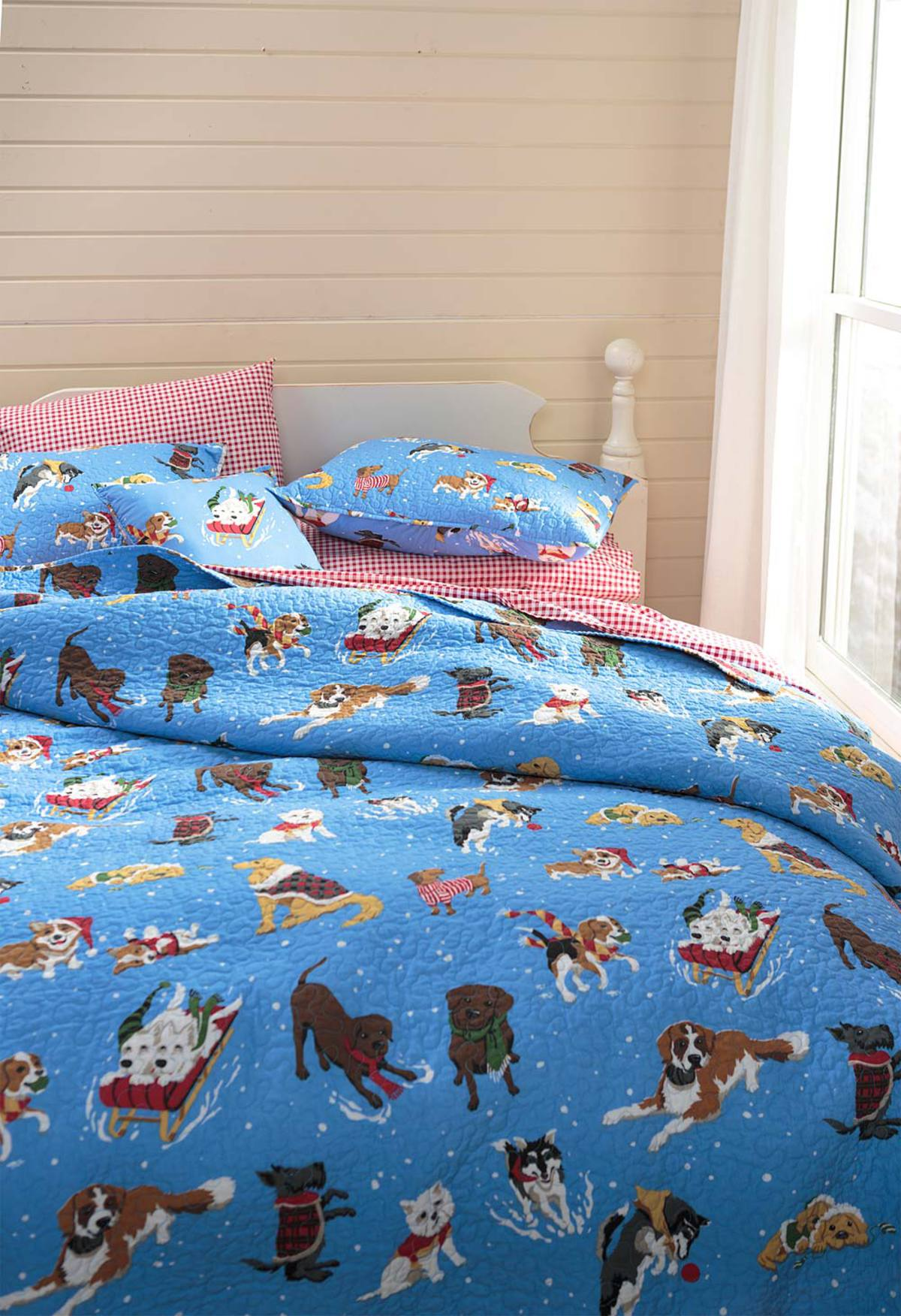 Full/Queen Snow Day Dogs Quilt Set