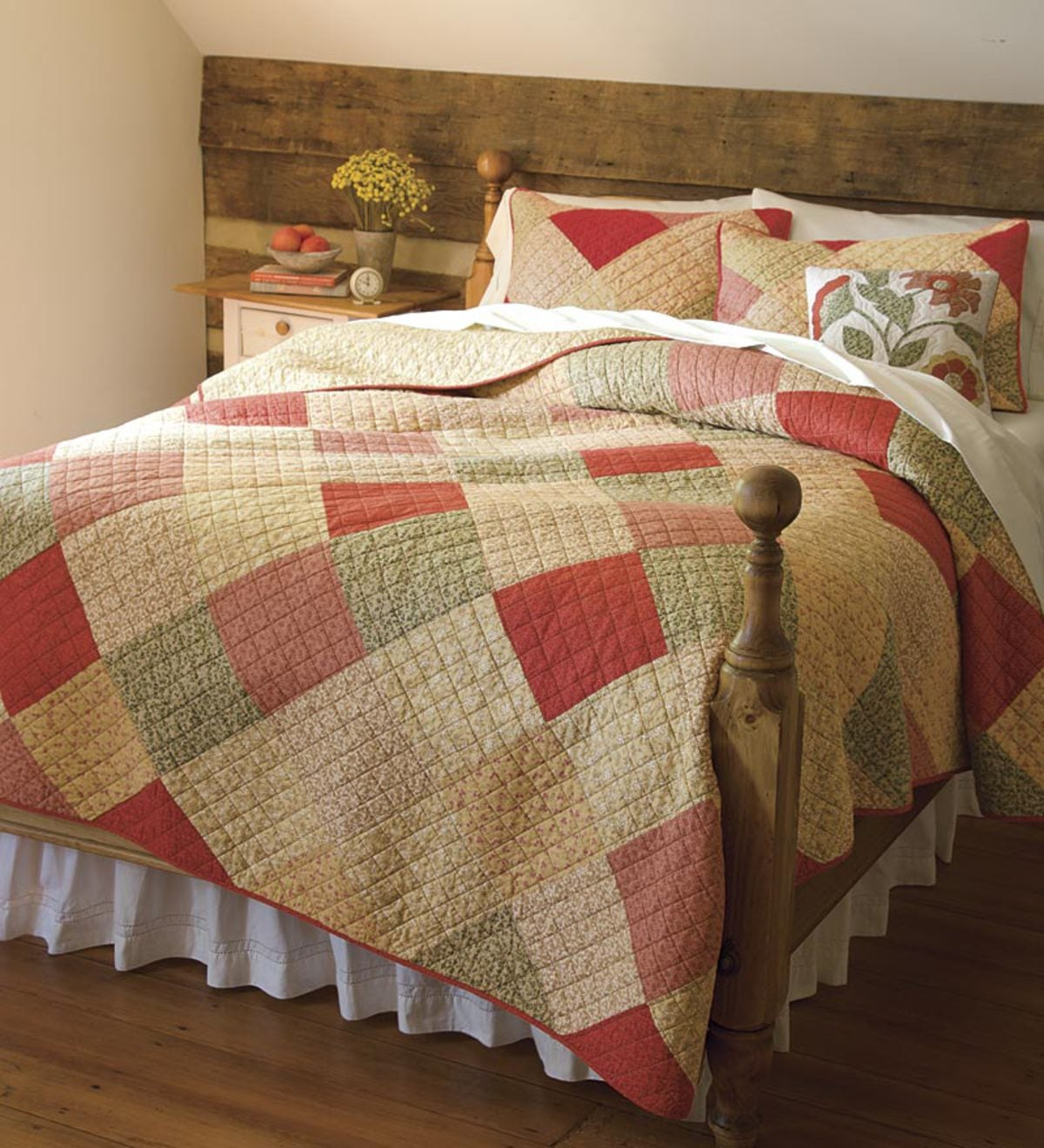 King Rachael Quilt Set With ShamsSave $9.90 on the set!