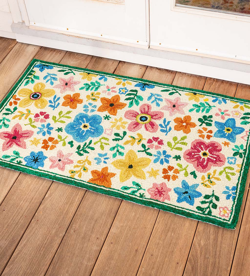 Indoor/Outdoor May Flowers Hooked Polypropylene Rug