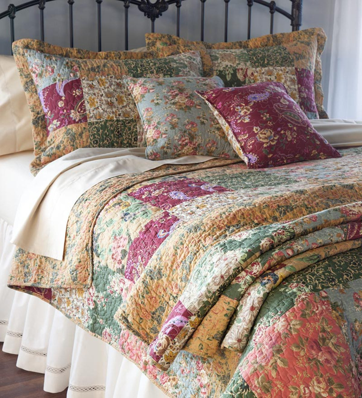 Cotton Floral Paisley Patchwork Quilted Throw