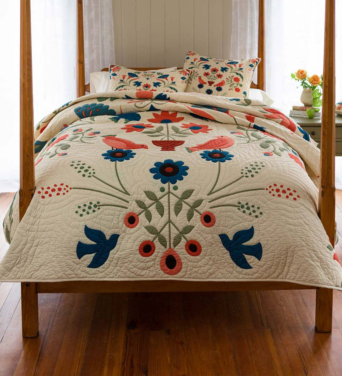 Ansley Folk Art Quilt Set in Cream