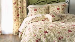Jacobean Vine Quilt Set