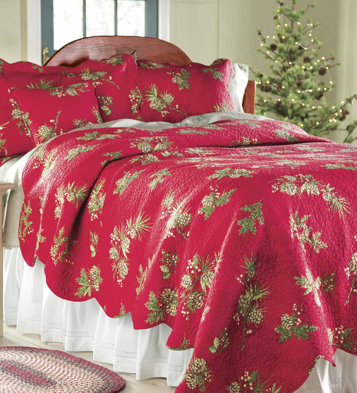 King Peaceful Pine Quilt Set