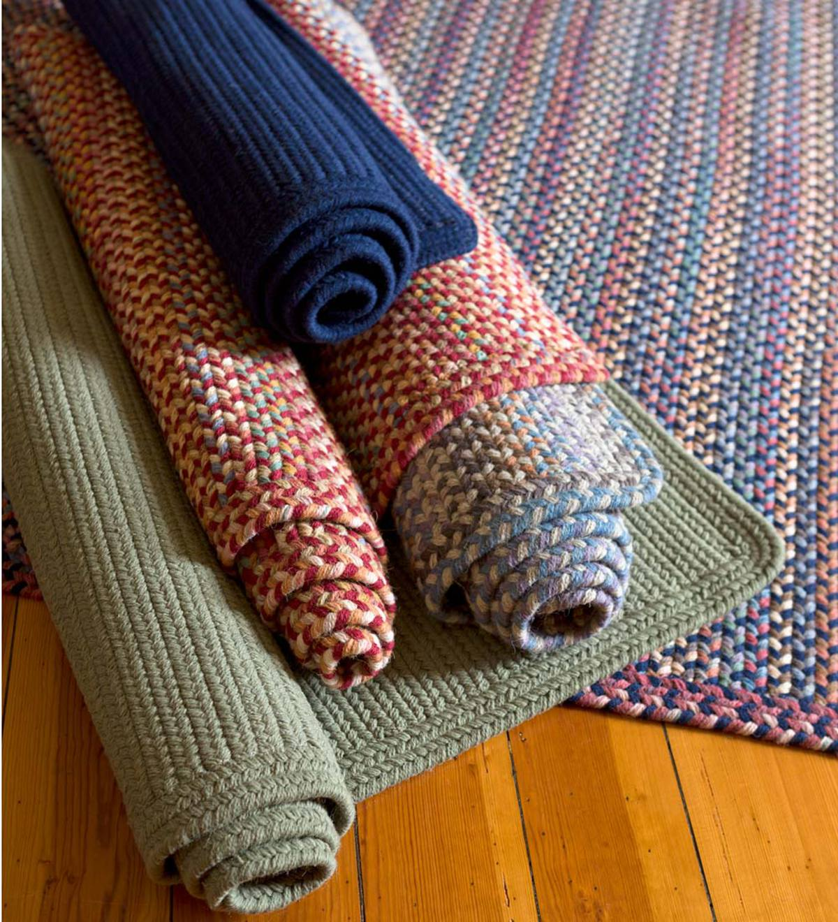Blue Ridge Rectangle Wool Braided Rug, 2' x 3'