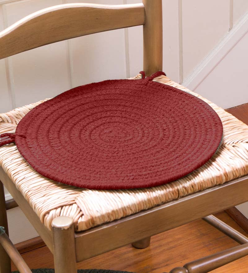 "Solid Color Country Classic Braided Polypropylene Chair Pad, 15"" dia. swatch image"
