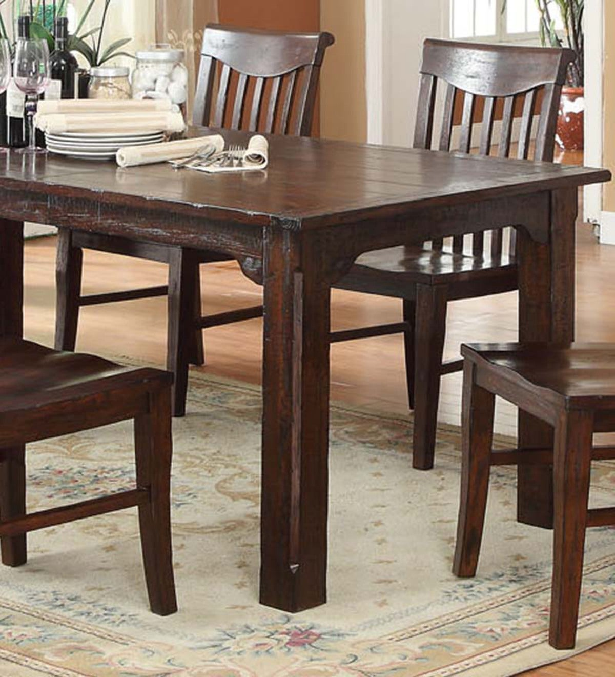 Gettysburg Dining Table and Chairs with Distressed Finish ...