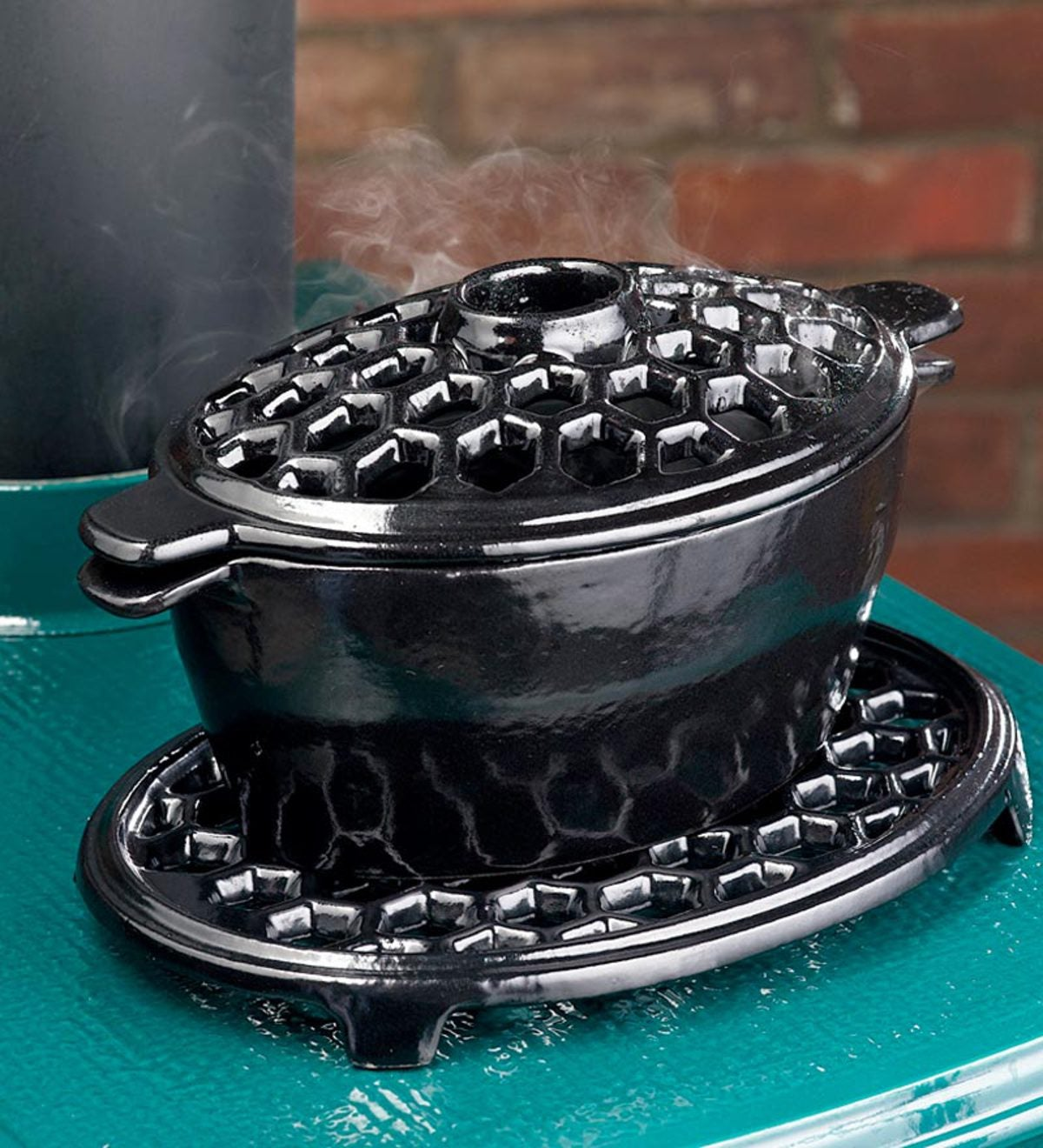 1.5 QT. Cast Iron Lattice Wood Stove Steamer And Trivet Set