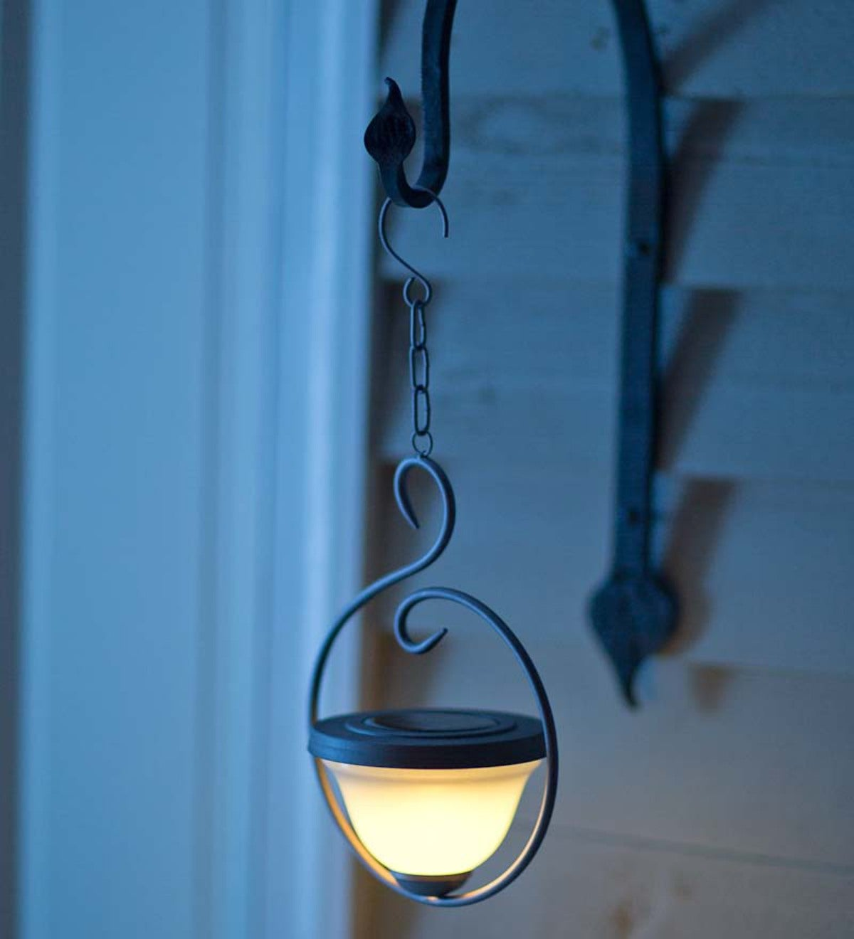 Solar Hanging Lantern With Circular Design