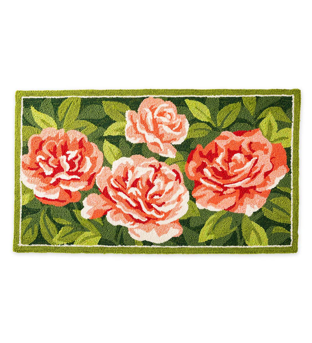 Indoor/Outdoor Antique Rose Hooked Polypropylene Accent Rug