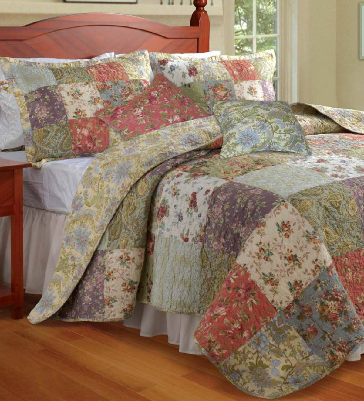 Full/Queen 100% Cotton Wildflower Patchwork Block Quilt Bonus Set