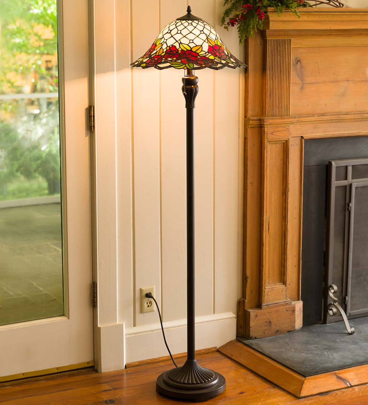 Chesterfield Tiffany Style Stained Glass Floor Lamp