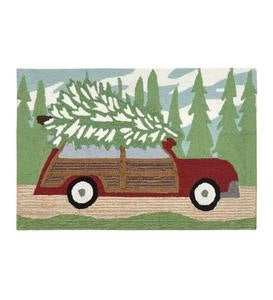 "Indoor/Outdoor Synthetic Blend Woody Wagon with Christmas Tree Holiday Rug, 24"" x 36"""