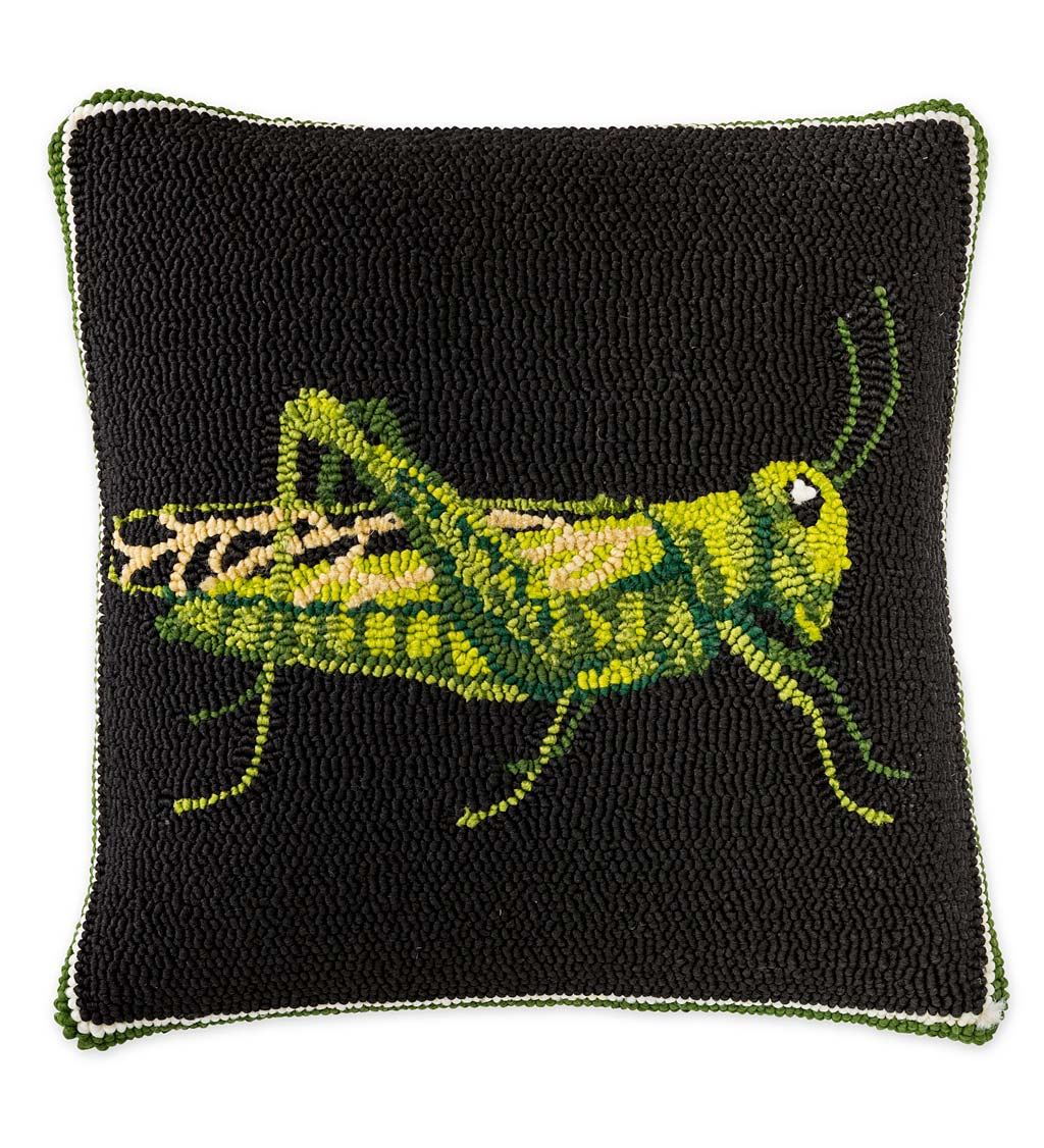 Indoor/Outdoor Grasshopper Hooked Throw Pillow
