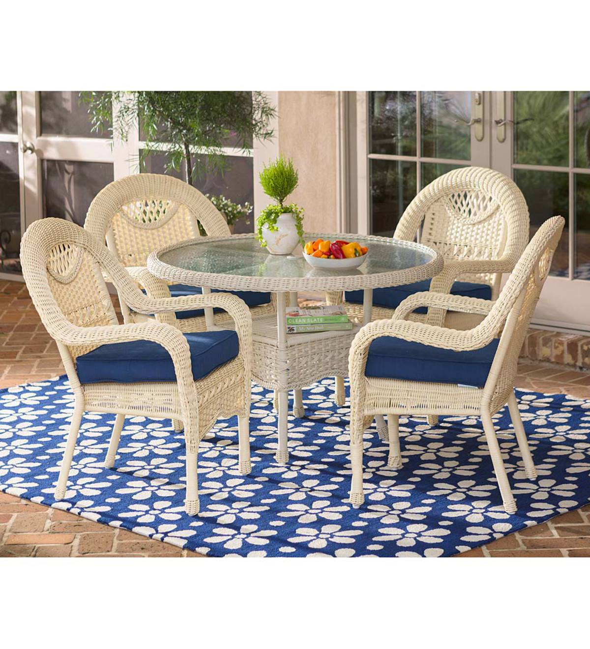 Beau Prospect Hill Wicker Round Dining Table And 4 Chairs Set   Cloud White