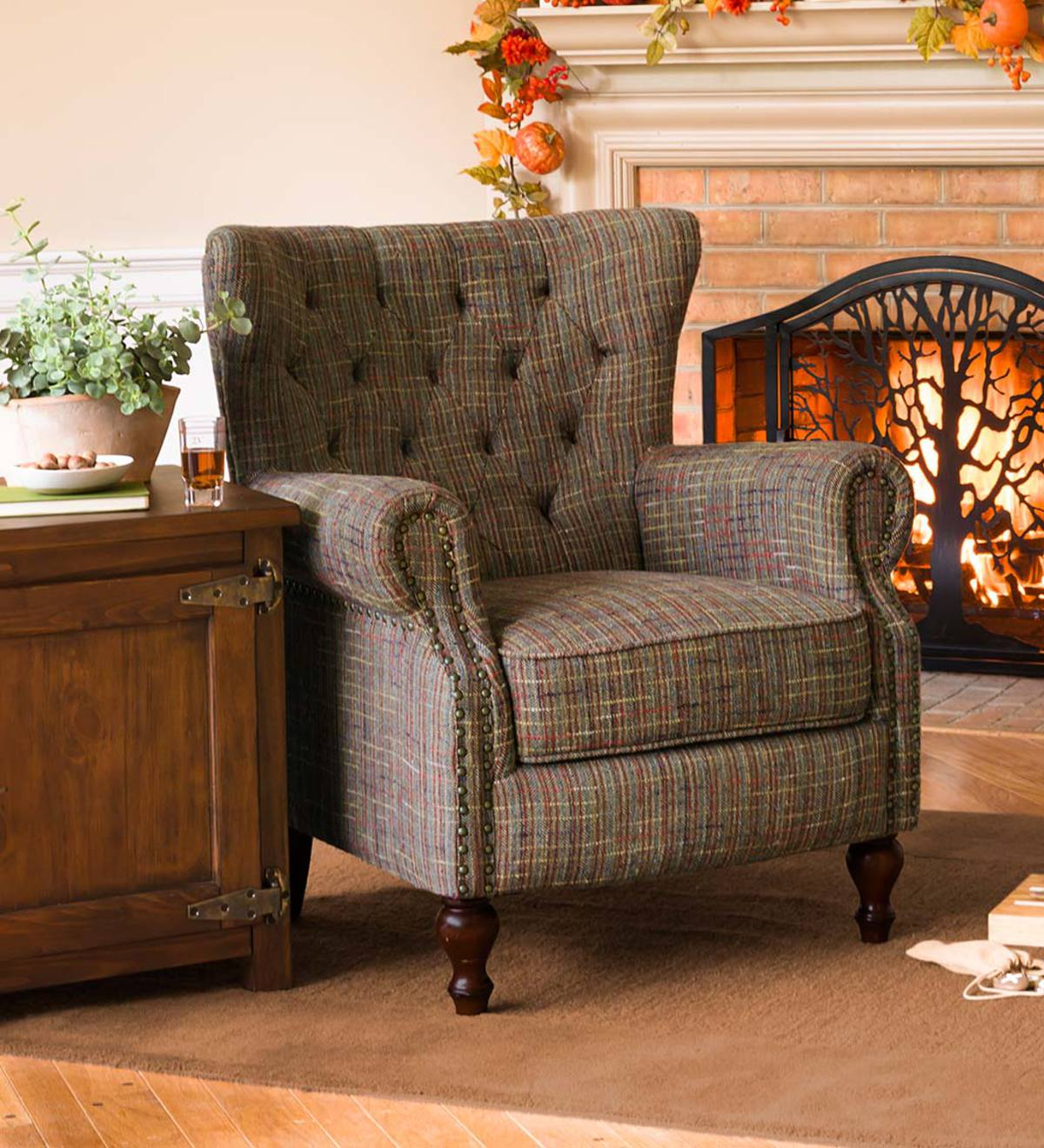 Attirant Madison Upholstered Wingback Chair