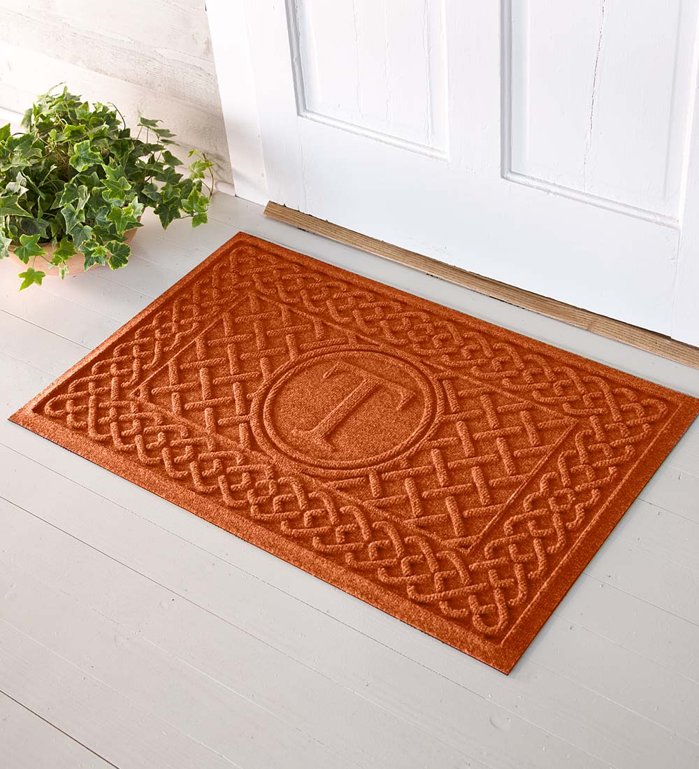 2' x 3' Single Initial Monogram Cable Weave Waterhogs™ Doormat