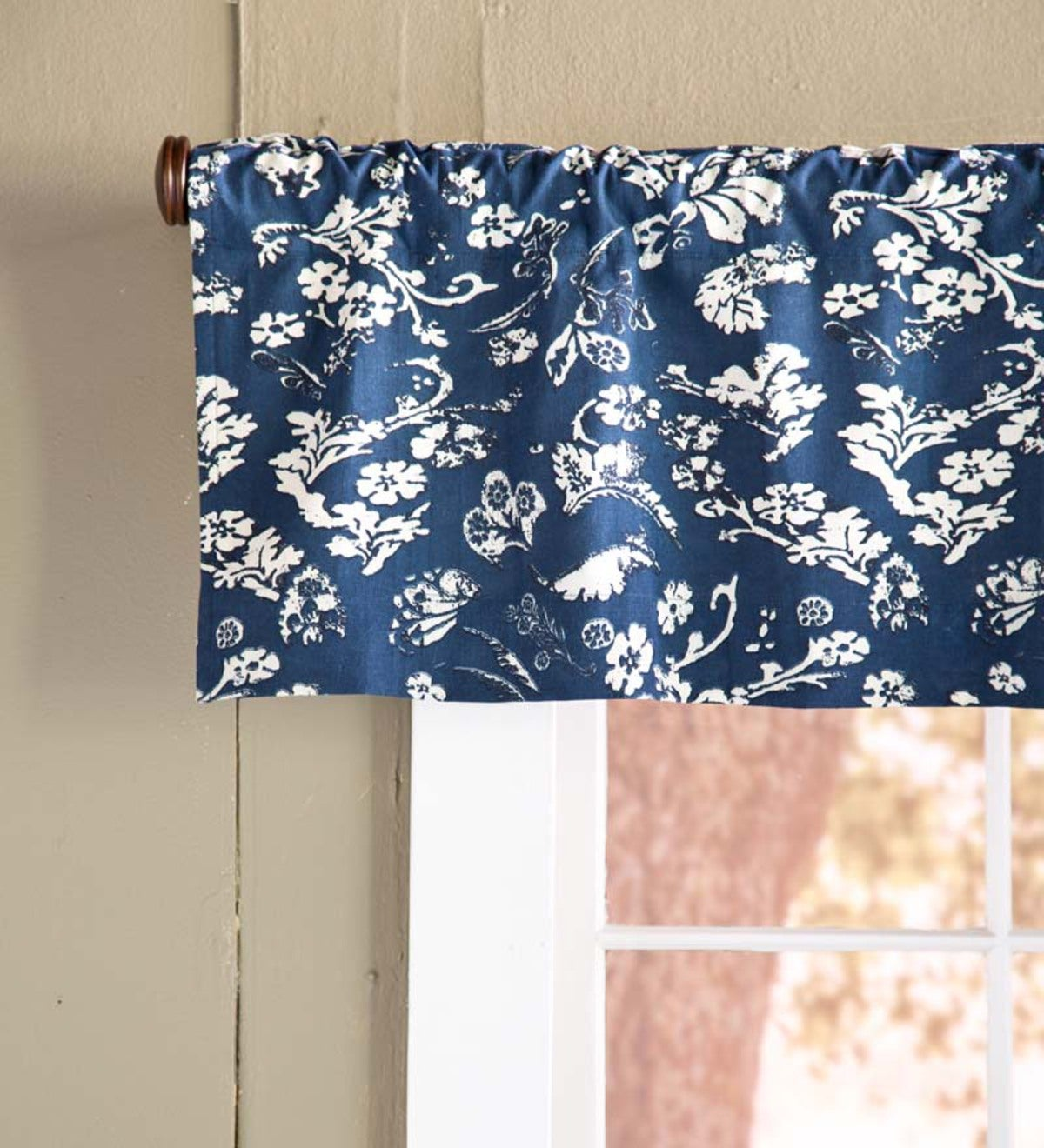 "Floral Damask Rod-Pocket Homespun Insulated Curtain Valance, 42""W x 14""L"