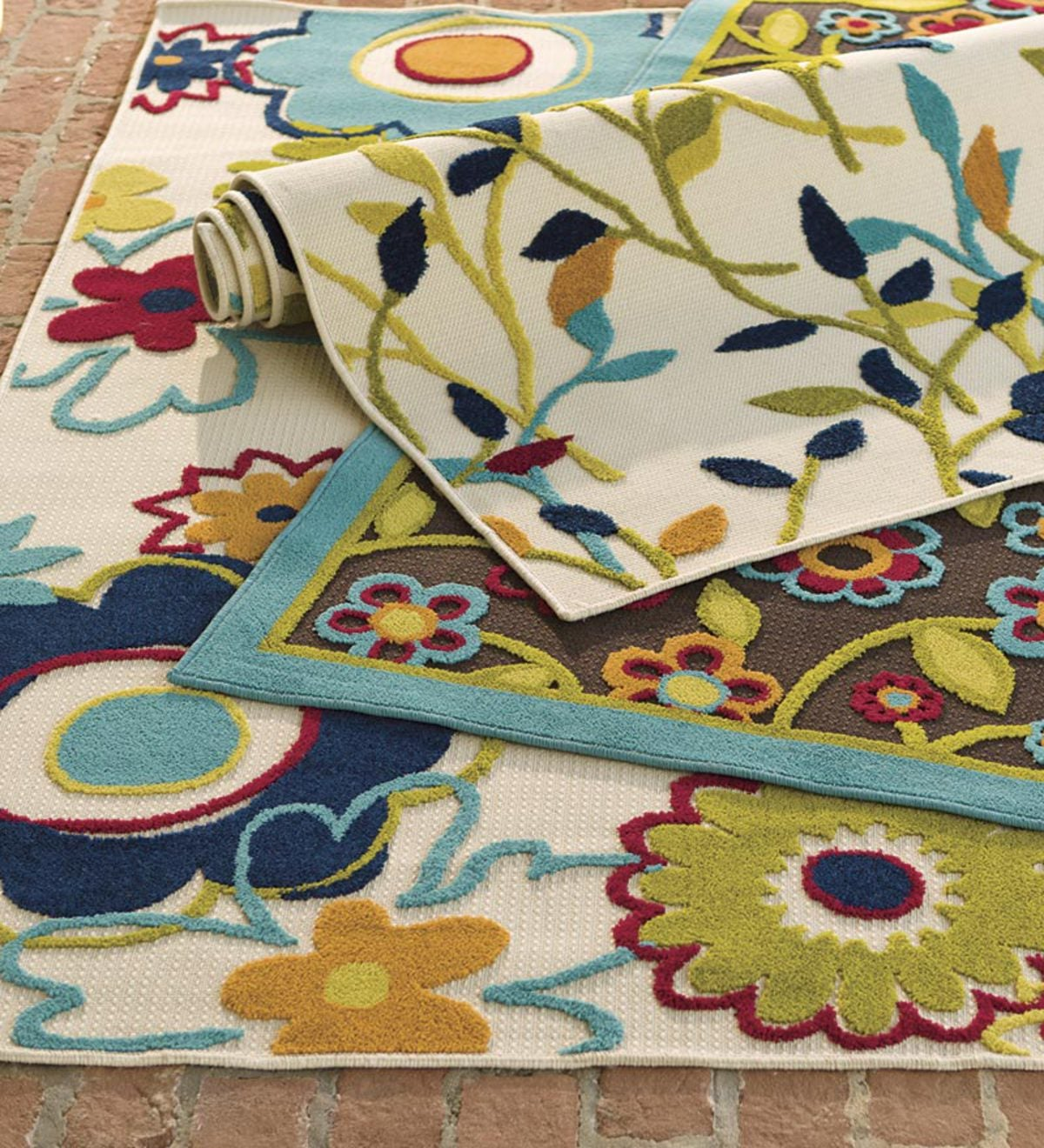 "5'3""x 7'6""Gwen Bright Flowers All-Weather Indoor/Outdoor Rug - Ivory - Style=Floral"