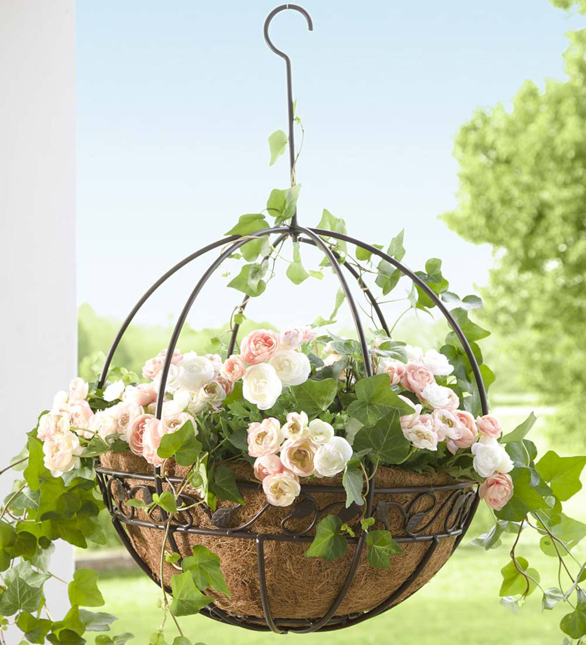 Metal Hanging Round Planter