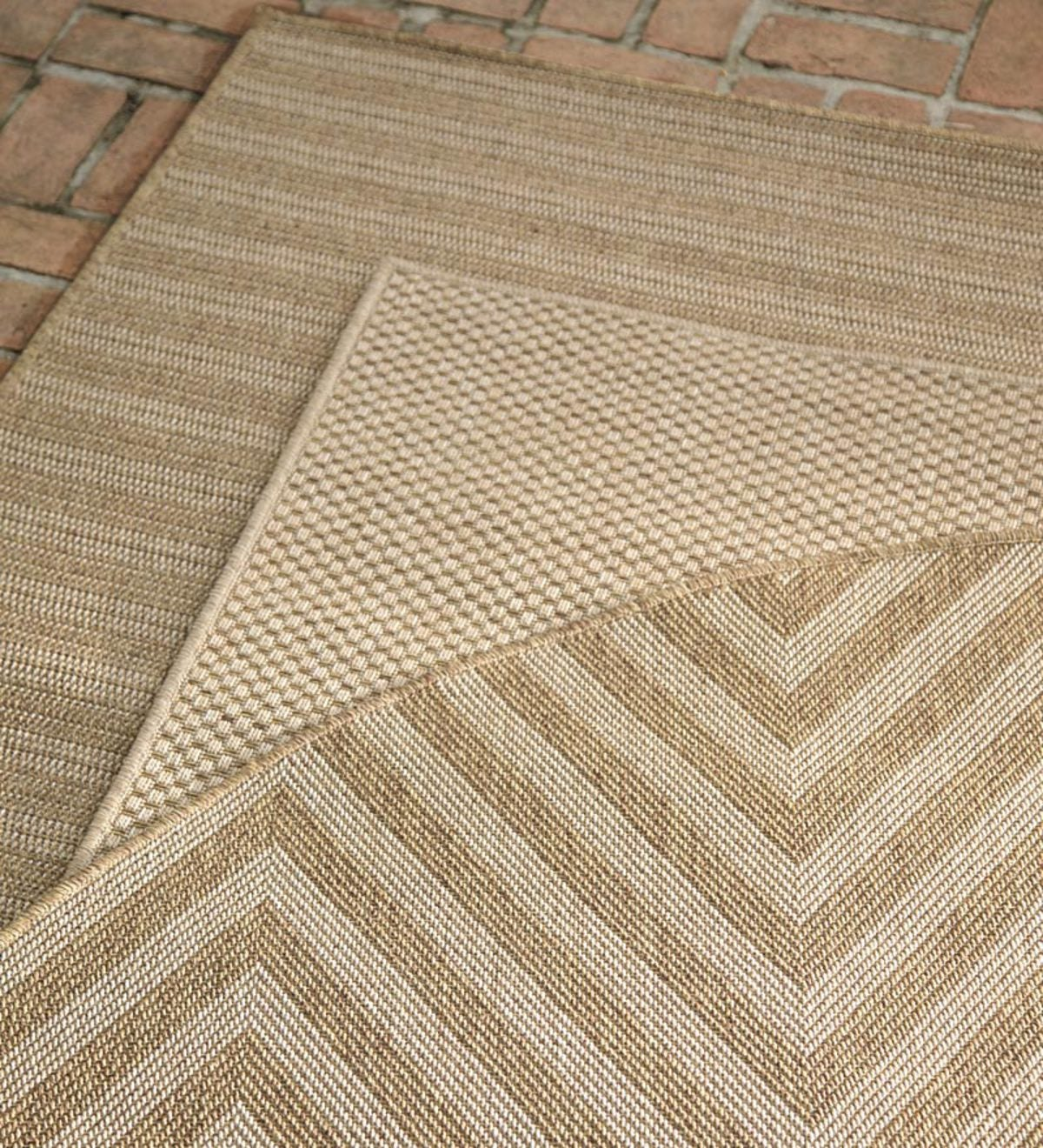 "6'7""x9'6""Laurel Indoor and Outdoor Seagrass Look Rug In Neutral Patterns"