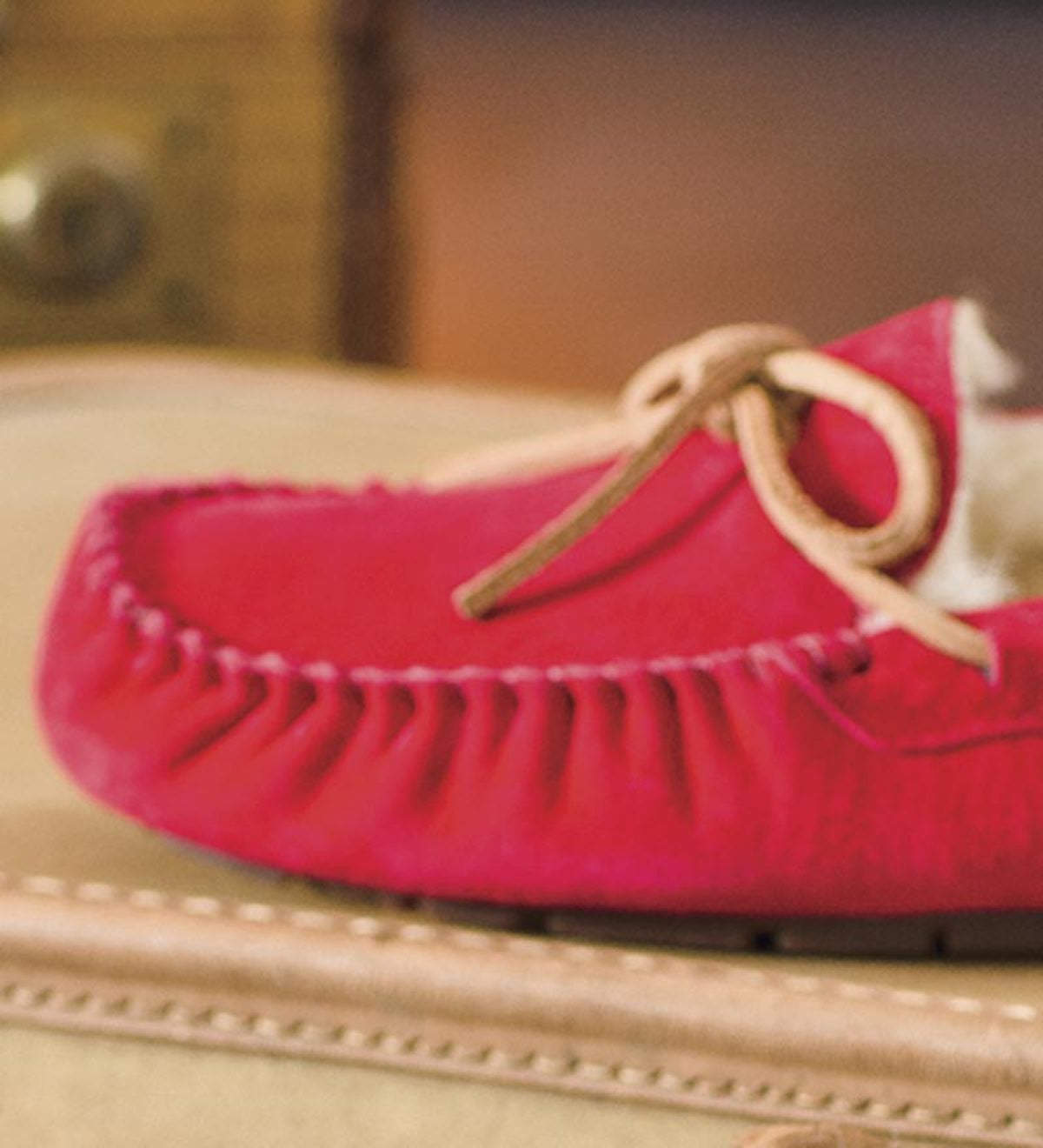 UGG Australia Womens Dakota Moccasin Slippers - Red - Size 6