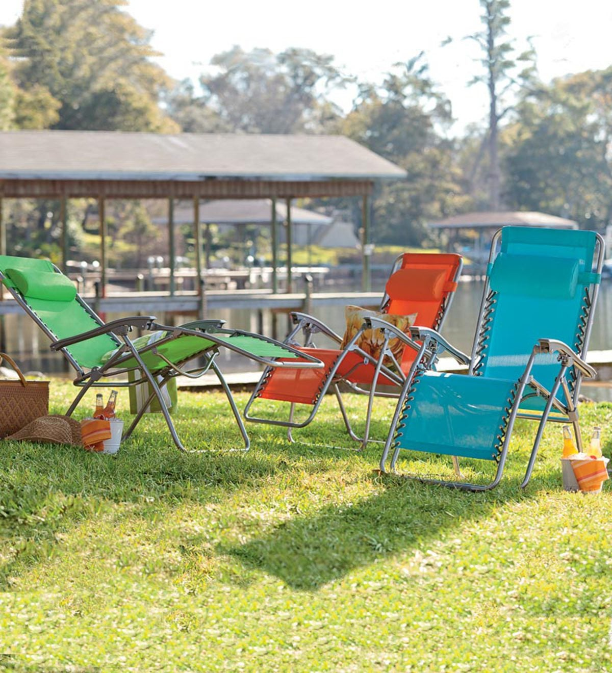 Bright Colored Adjustable Zero Gravity Outdoor Lawn And Beach Chair