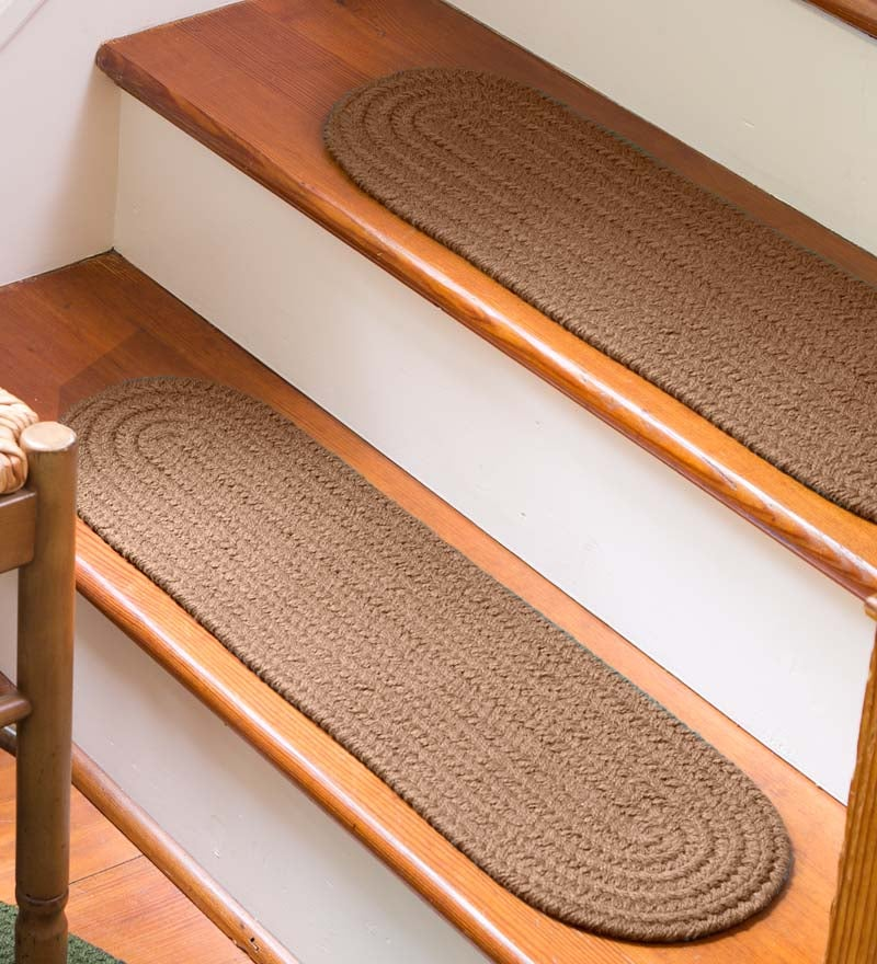 "Solid Color Country Classic Braided Polypropylene Stair Tread, 8"" x 28"""