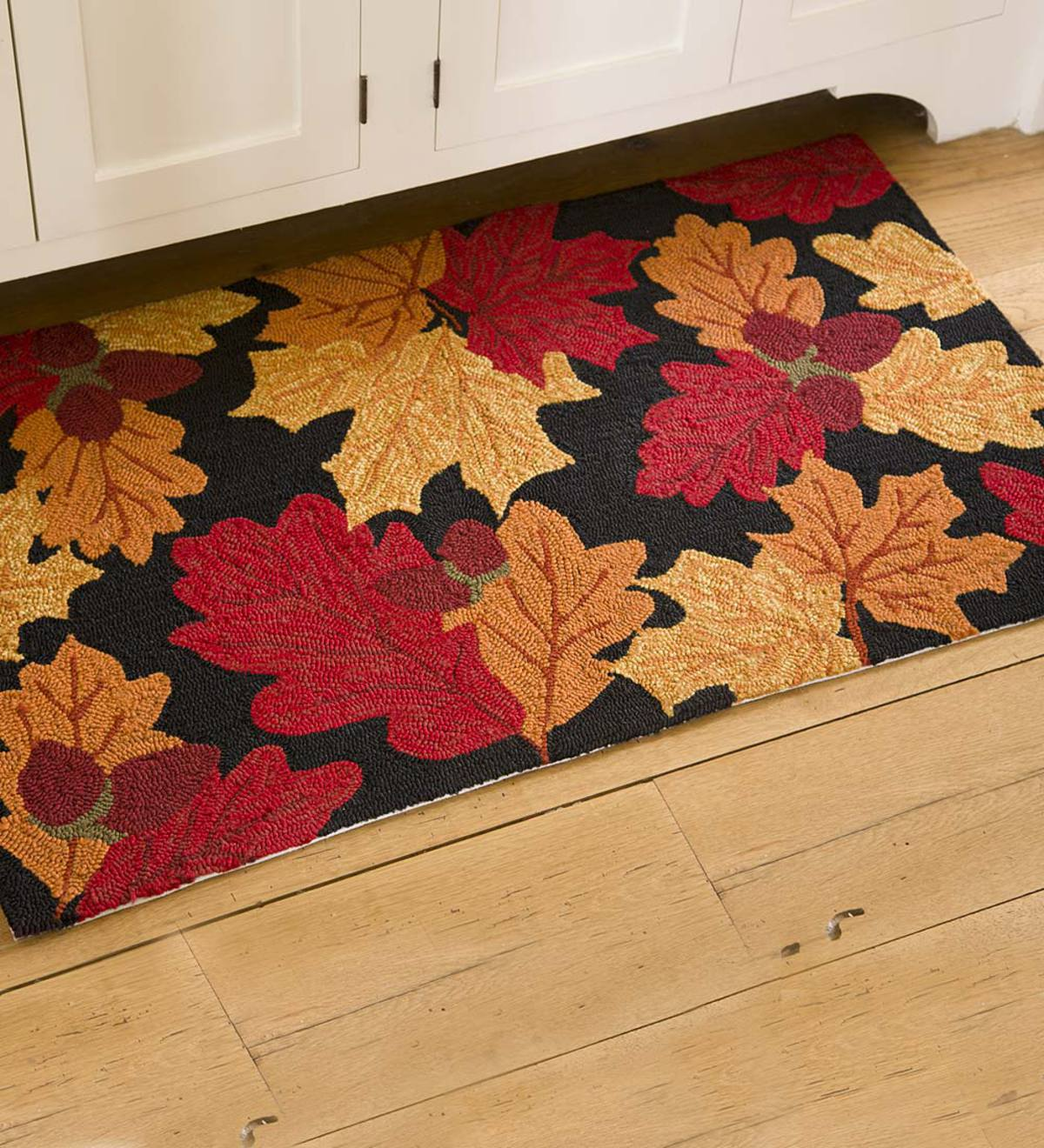 Falling Leaves Indoor/Outdoor Accent Rug