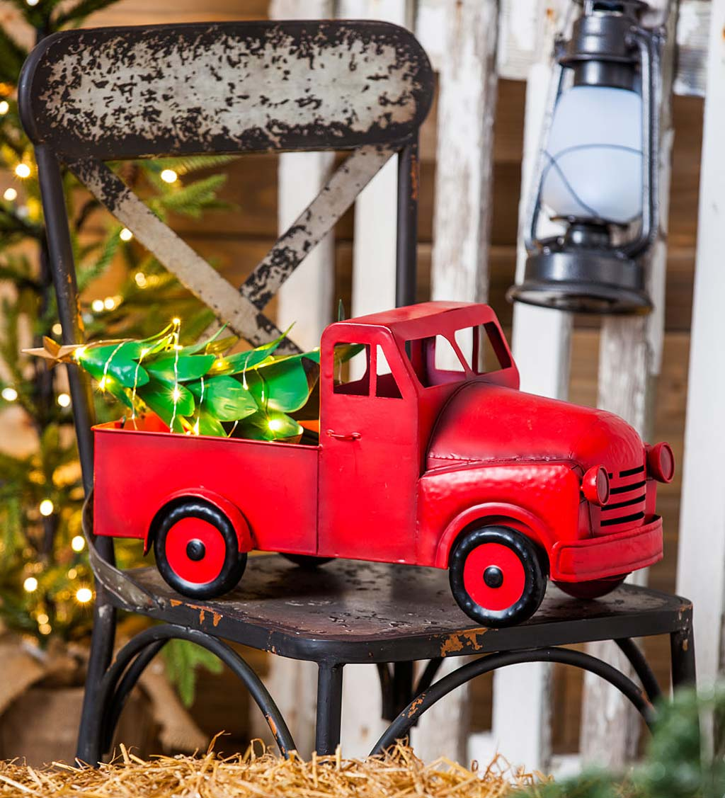 Red Metal Christmas Pickup Truck Statue