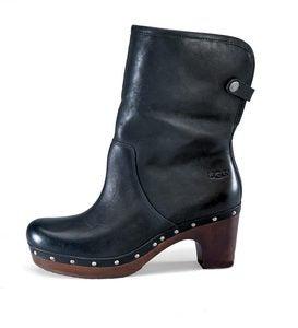 17982aec0e1 UGG Australia Lynnea Boots | PlowHearth