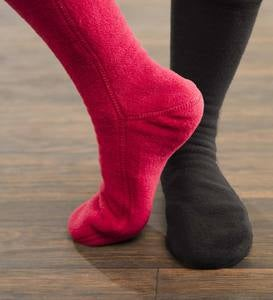 Acorn® Fleece Socks For Men and Women - Magenta Cable - Large