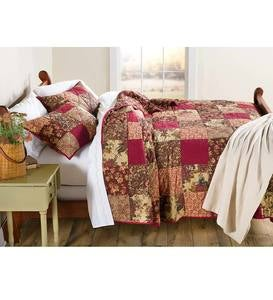 Queen Cranberry Floral Patchwork Quilt Set