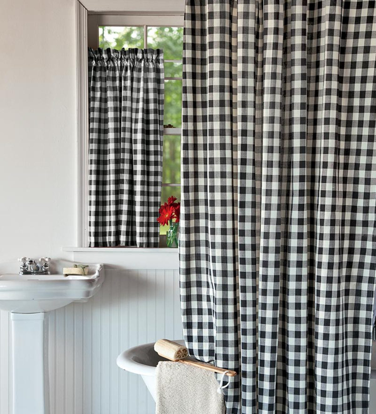 Checked Polyester Shower Curtain