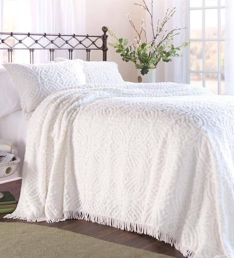 King Wedding Ring Tufted Chenille Bedspread