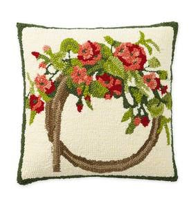 Indoor/Outdoor Hooked Geranium Wreath Throw Pillow