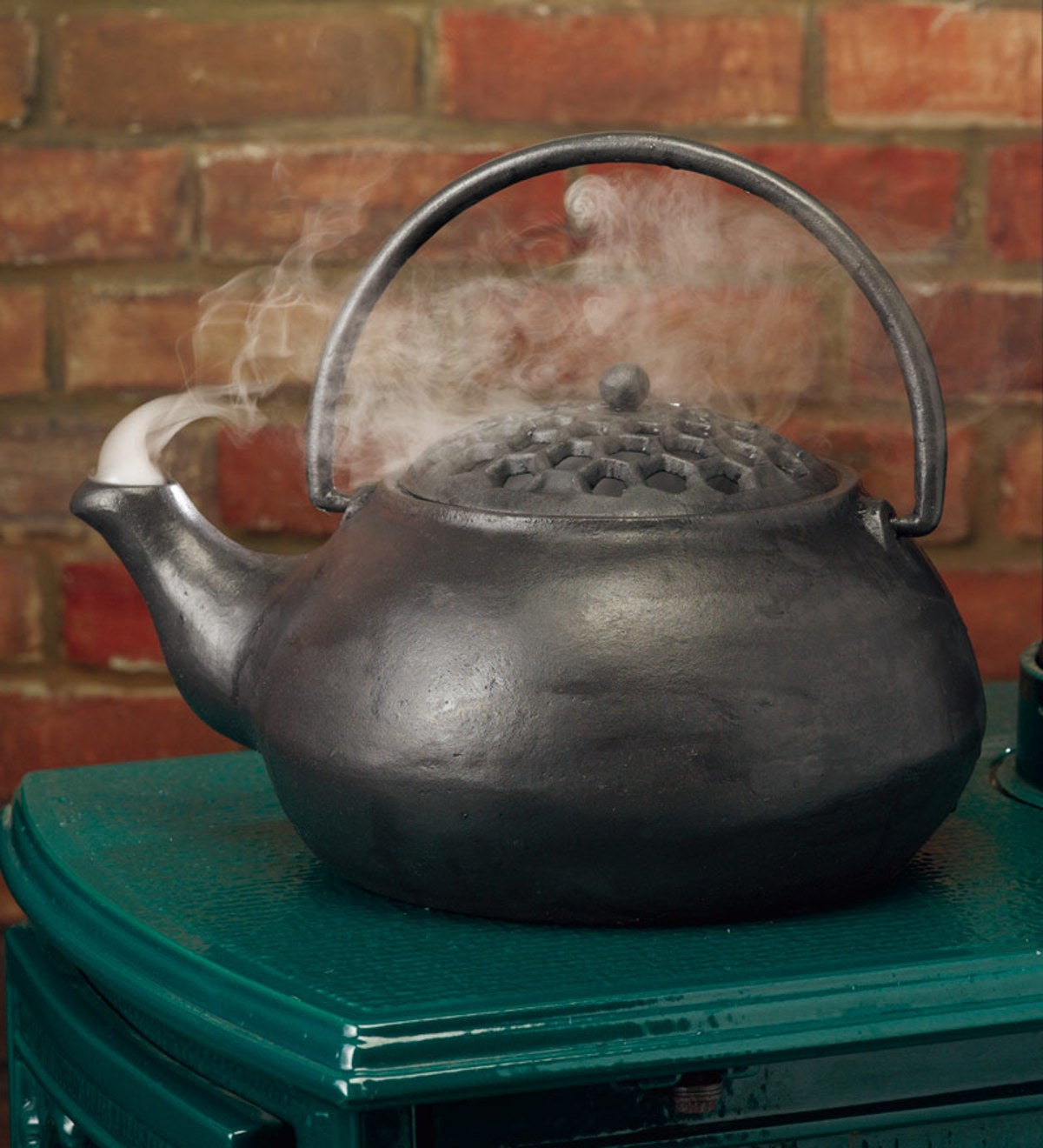 3 QT. Cast Iron Steamer Kettle - Black