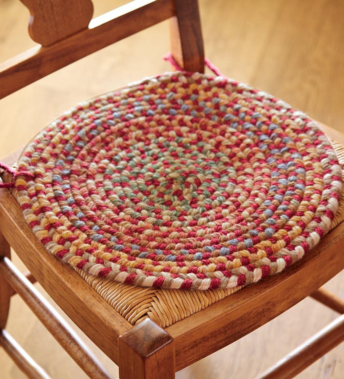 Blue ridge wool braided chair pad 15e round