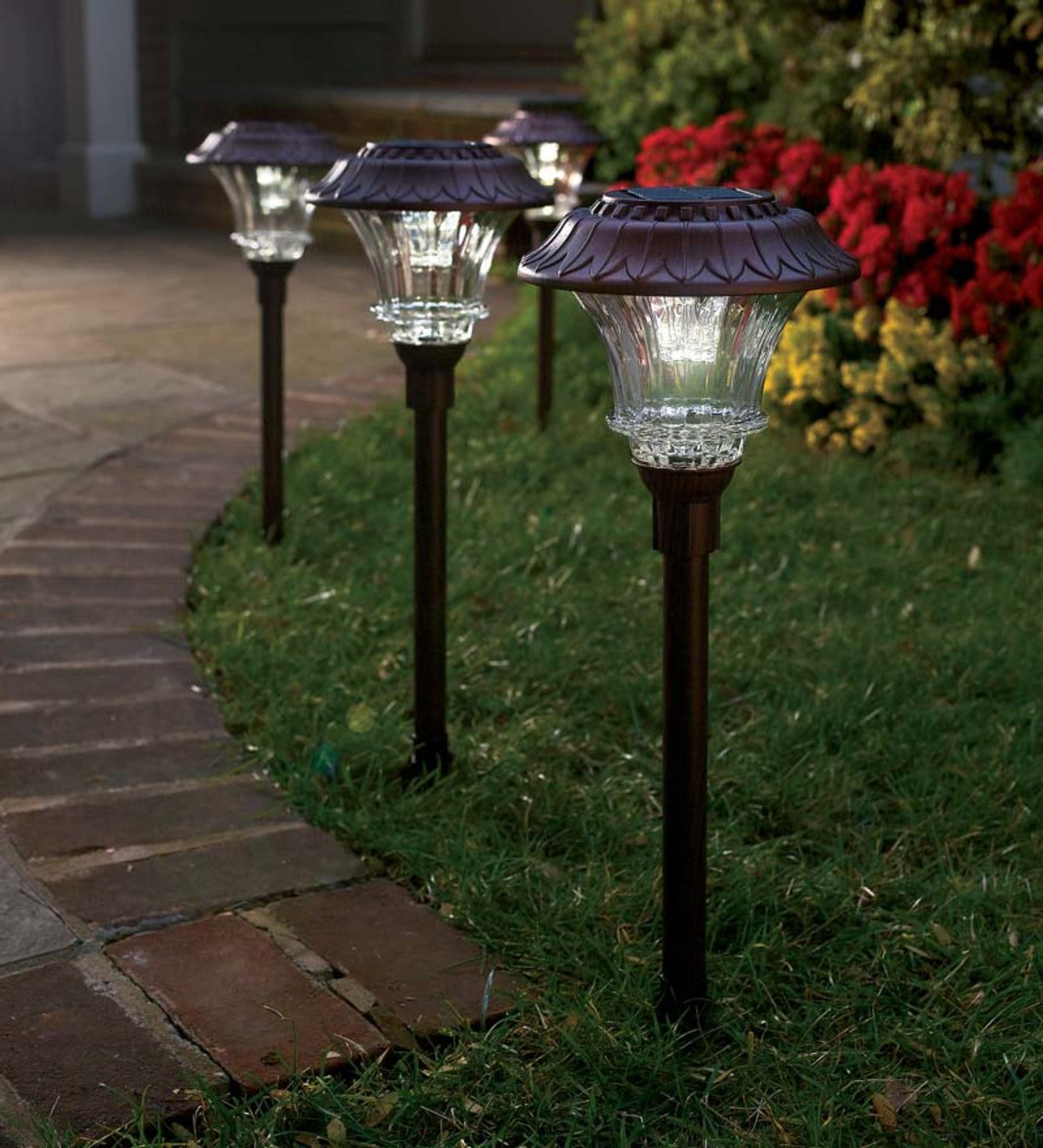 NEW! SET OF 6 DAISY STYLE SOLAR POWERED OUTDOOR GARDEN WALKWAY PATH LED LIGHTS