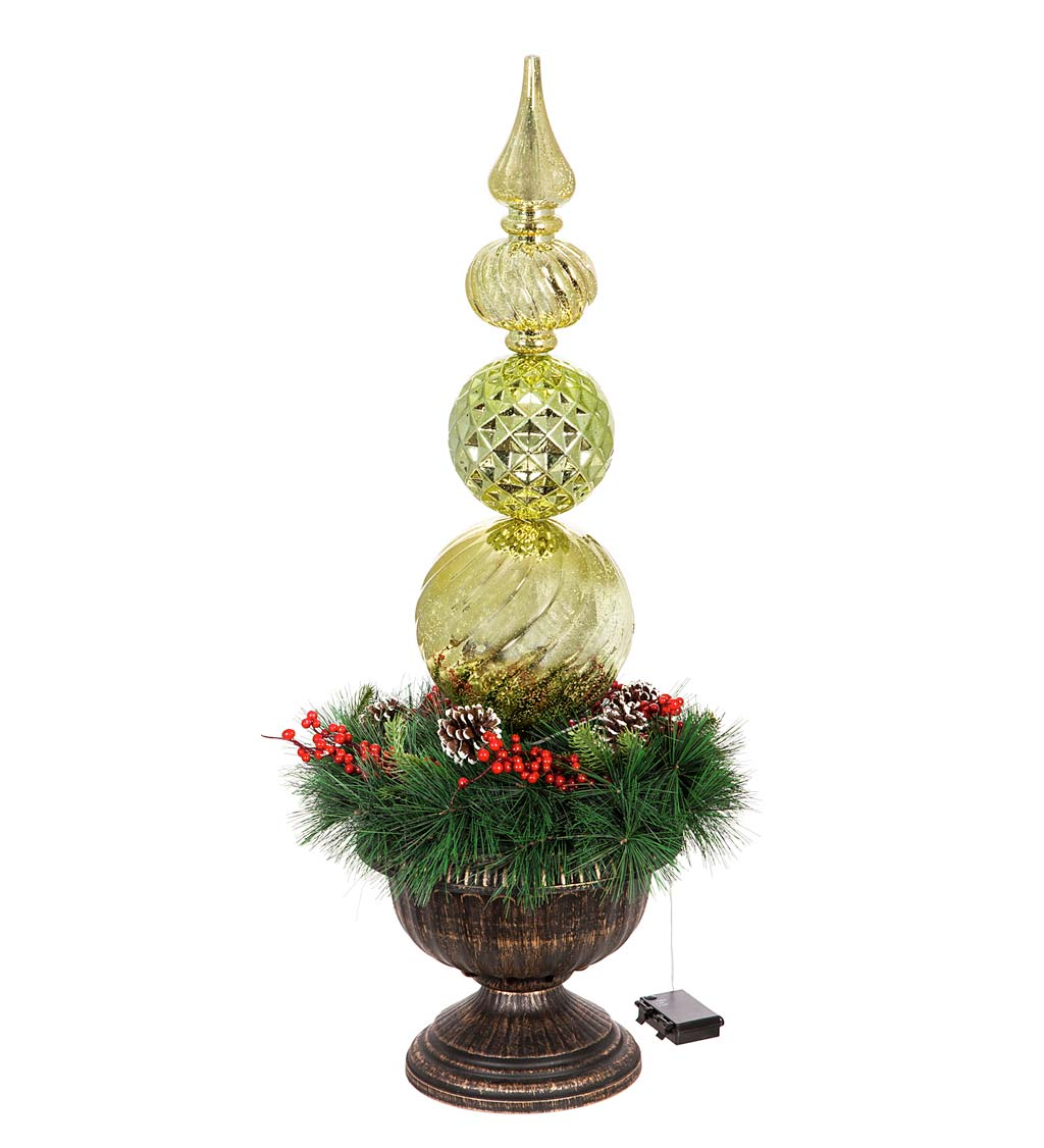 Indoor/Outdoor Shatterproof Lighted Ornament Stake with Wreath in Urn