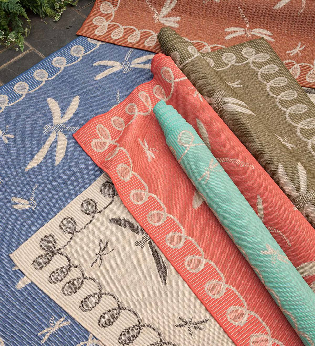 "Indoor/Outdoor Polypropylene Rug, Dragonflies, 7'10"" x 9'10"""