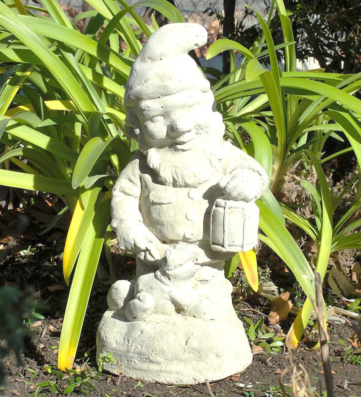 USA-Made Cast Stone Vintage Gnome With Frog