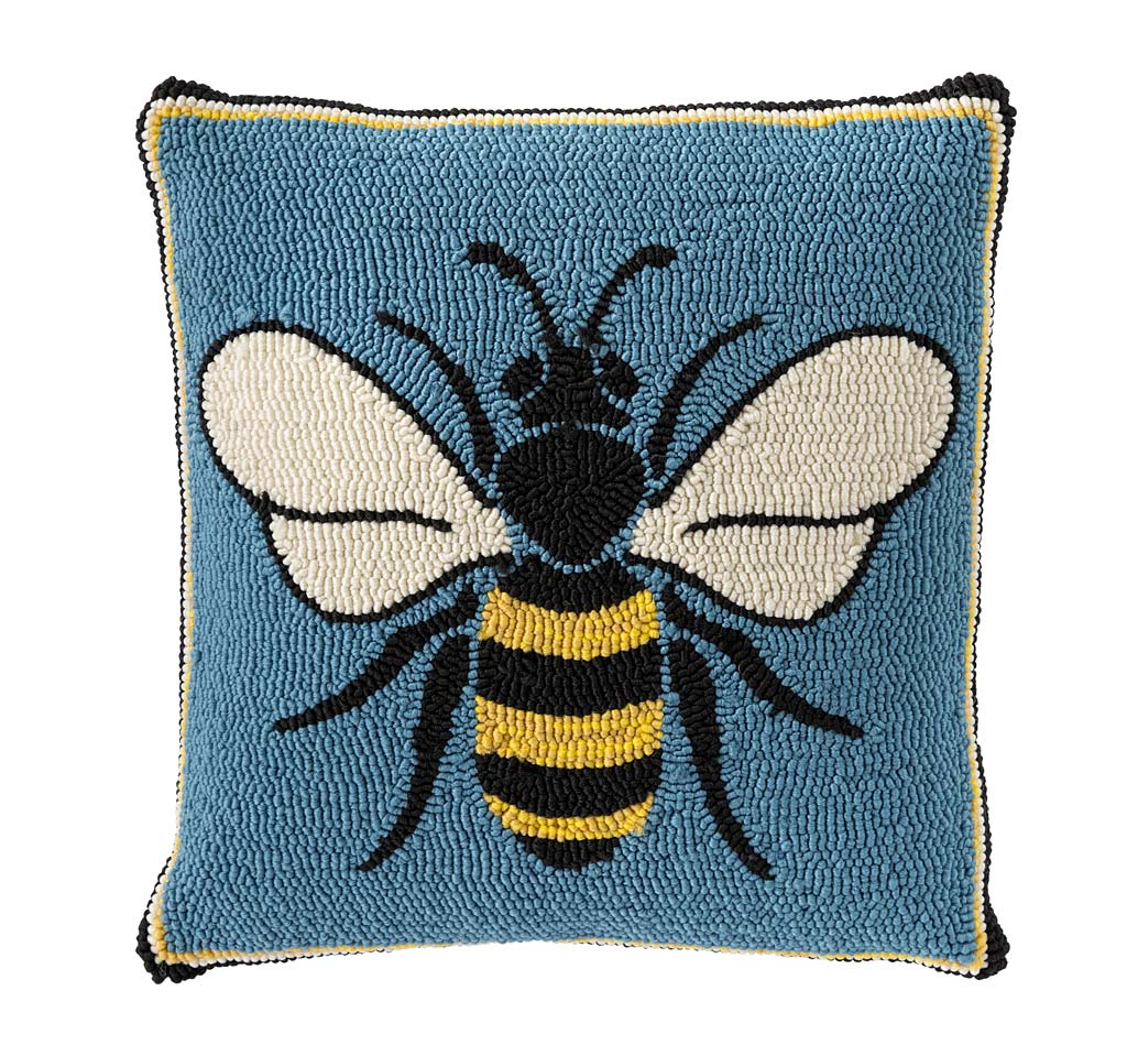 Indoor/Outdoor Busy Bee Hooked Polypropylene Throw Pillow