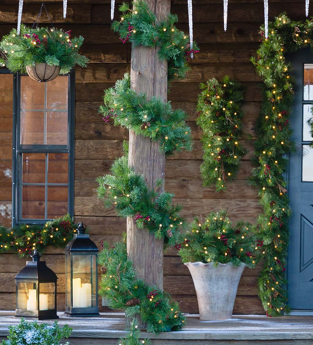 Indoor/Outdoor Blue Ridge Garland with Battery-Operated Dual-Function Lights